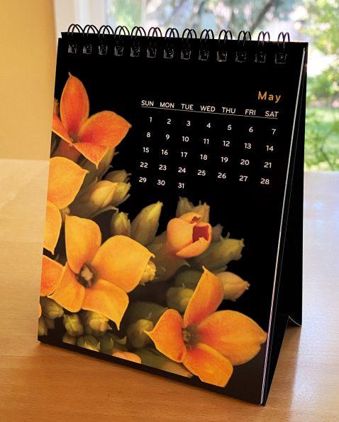 2022 Calendar self-standing easel